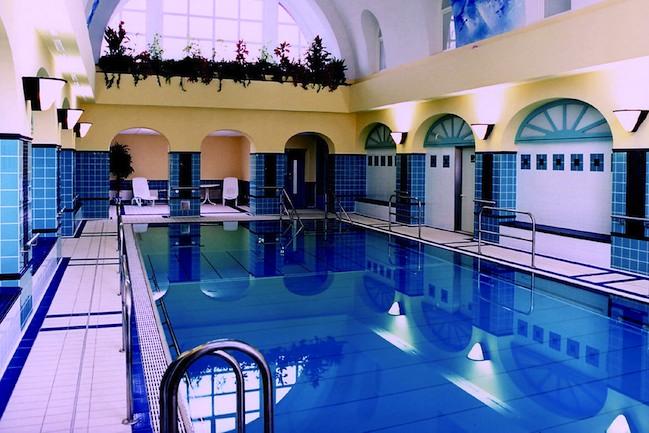 schwimmbad sauna hotel christophorus berlin spandau. Black Bedroom Furniture Sets. Home Design Ideas
